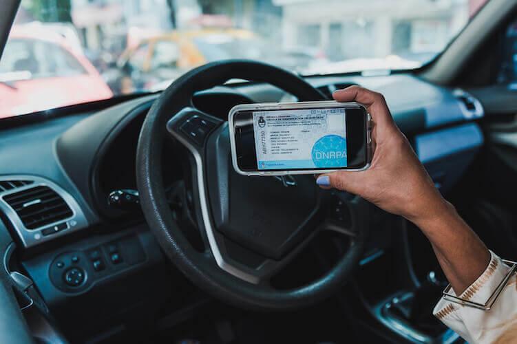 ¿Cómo solicitar el certificado de dominio automotor en Argentina?