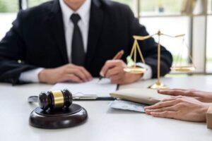 Cómo obtener el certificado de habilitación de abogado en Perú