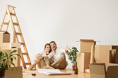 couple-moving-to-new-home
