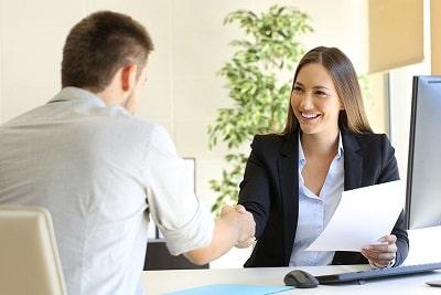 Optar por un cargo laboral en una empresa